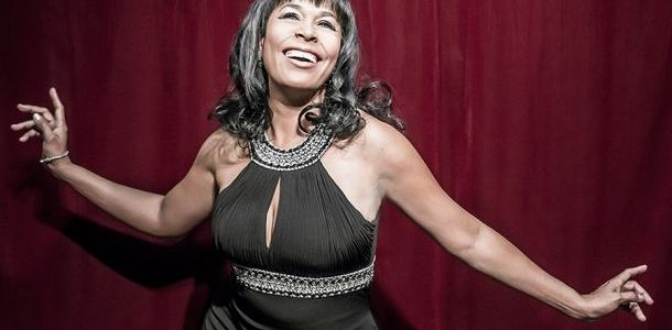 Avana protagoniza un musical sobre la vida en un cabaret