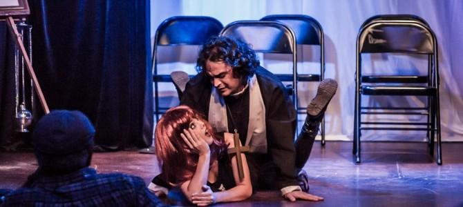 """Crítica teatral de """"Riéndose en Miniatura"""" muestra del I Festival de Historietas de Miami."""